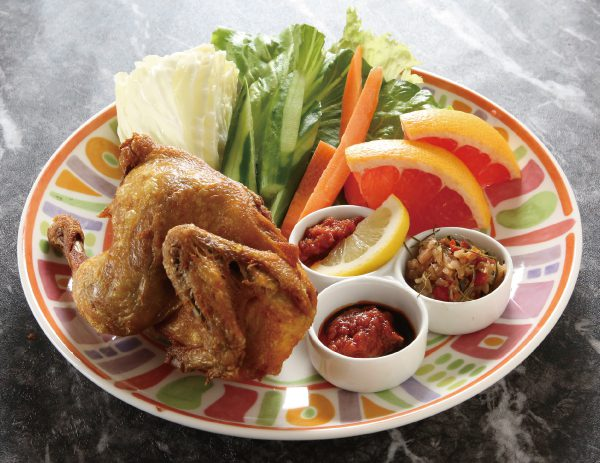 アヤムゴレン・カラサン(骨付き半身揚げ)  Ayam goreng kalasan