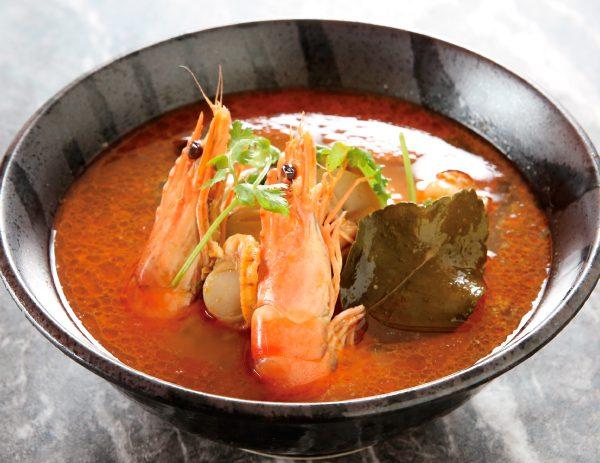 """トムヤムクン Tom yum goong <i class=""""fas fa-pepper-hot chili-red""""></i>"""